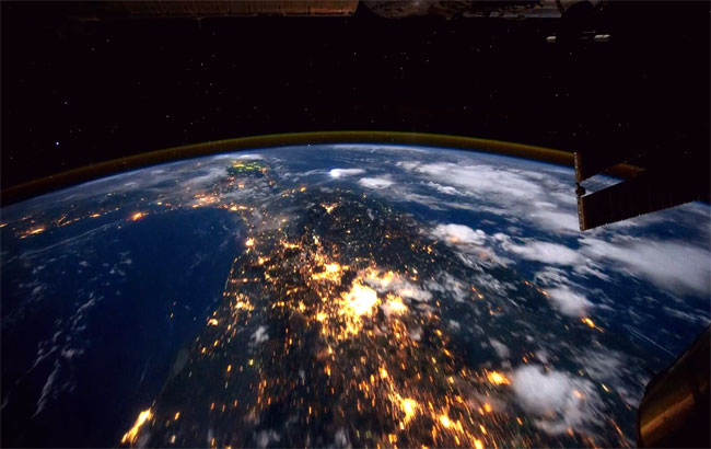Awesome Time Lapse Video Of Planet Earth Taken On The ...